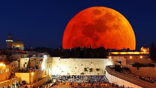 Sid Roth - Blood Moons Explained